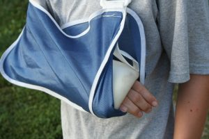 child or teen doctor for broken arm